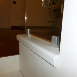 Parapetto in vetro su soppalco - dettaglio 2