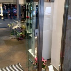NegozioSaronno-vetrina-dettaglioManiglia